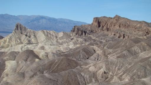 Death-Valley-Badlands-01-Zabriskie-Point