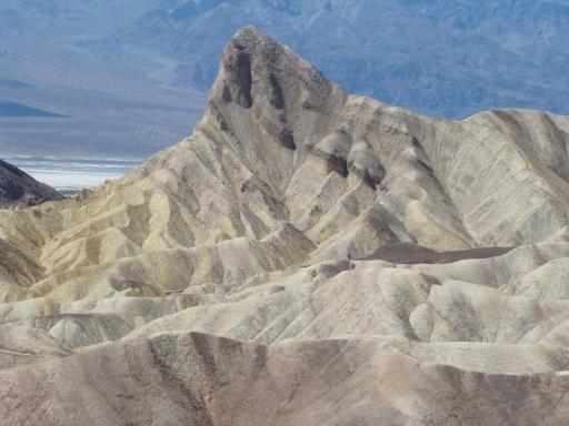 Death-Valley-Badlands-02-Manly-Beacon
