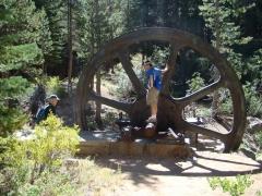 Mammoth-Gold-Mines-06-Mill-City-flywheel