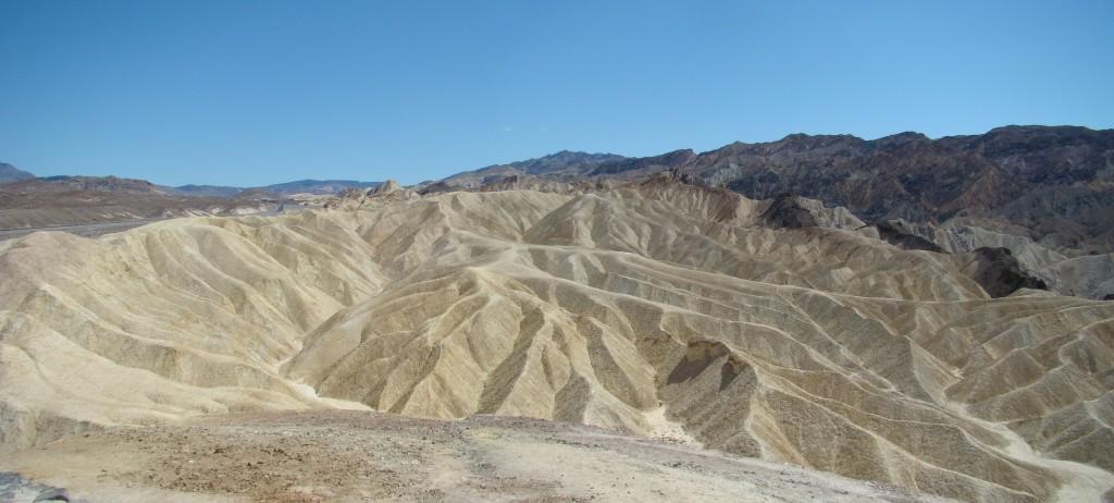 Death-Valley-Badlands-03-Zabriskie-Point